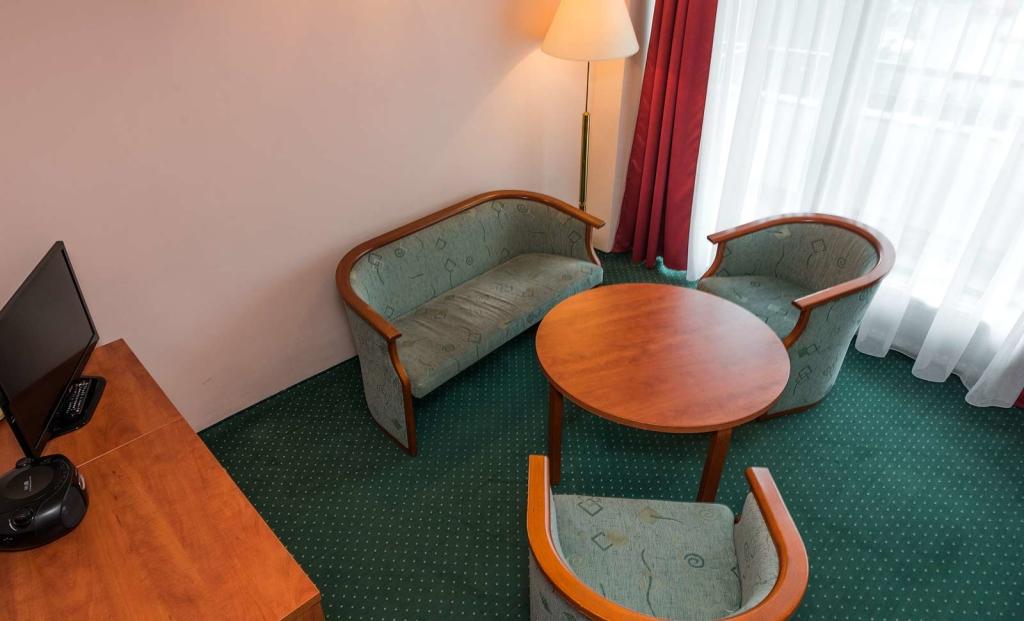 Apartament 3 pokojowy, salonik - Sanatorium Uzdrowiskowe Róża